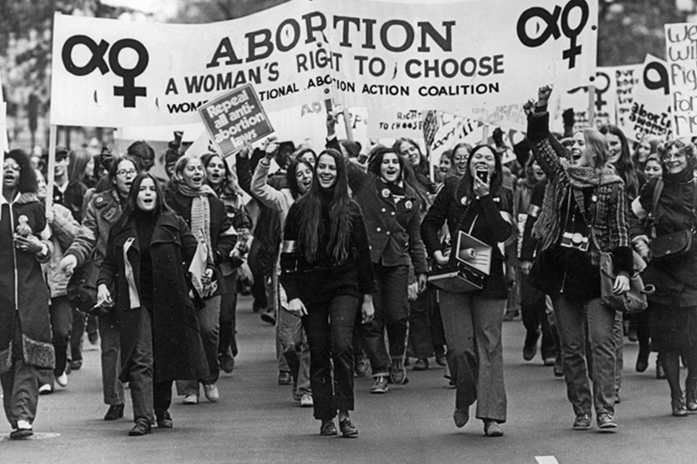 the case roe vs wade abortion and the womans right to choose Forty-five years later, a nationwide debate over abortion rights  that law had  previously been declared unconstitutional in the 1971 case of united states v   roe v wade reached the nation's highest court on appeal in 1971, and on jan   (2) every woman has the fundamental right to choose or refuse to.
